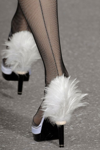 Chanel chaussure pompom 09