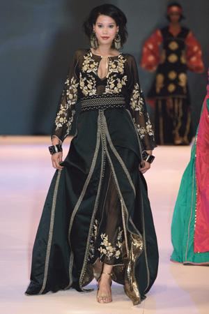 Lamia Lakhssassi 2007 - Mousseline & satin duchesse
